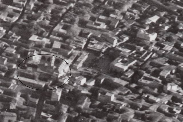 13. The mosque and its immediate vicinity, aerial photography from 1918.